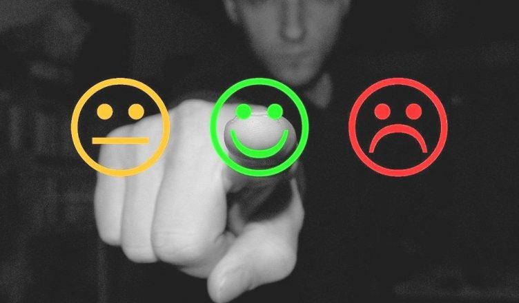 Satisfaction client représentée par des smileys