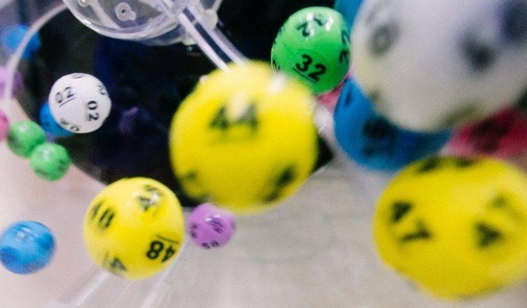 Tirage aléatoire des boules du Loto